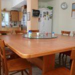 שולחן אוכל בדירת הכשרה - ניצן חיפה